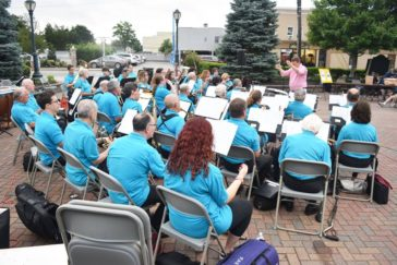 "Recap: Westbury Arts Hosts ""An Evening with the Pops"" with Collaborative Painting & Outdoor Concert"
