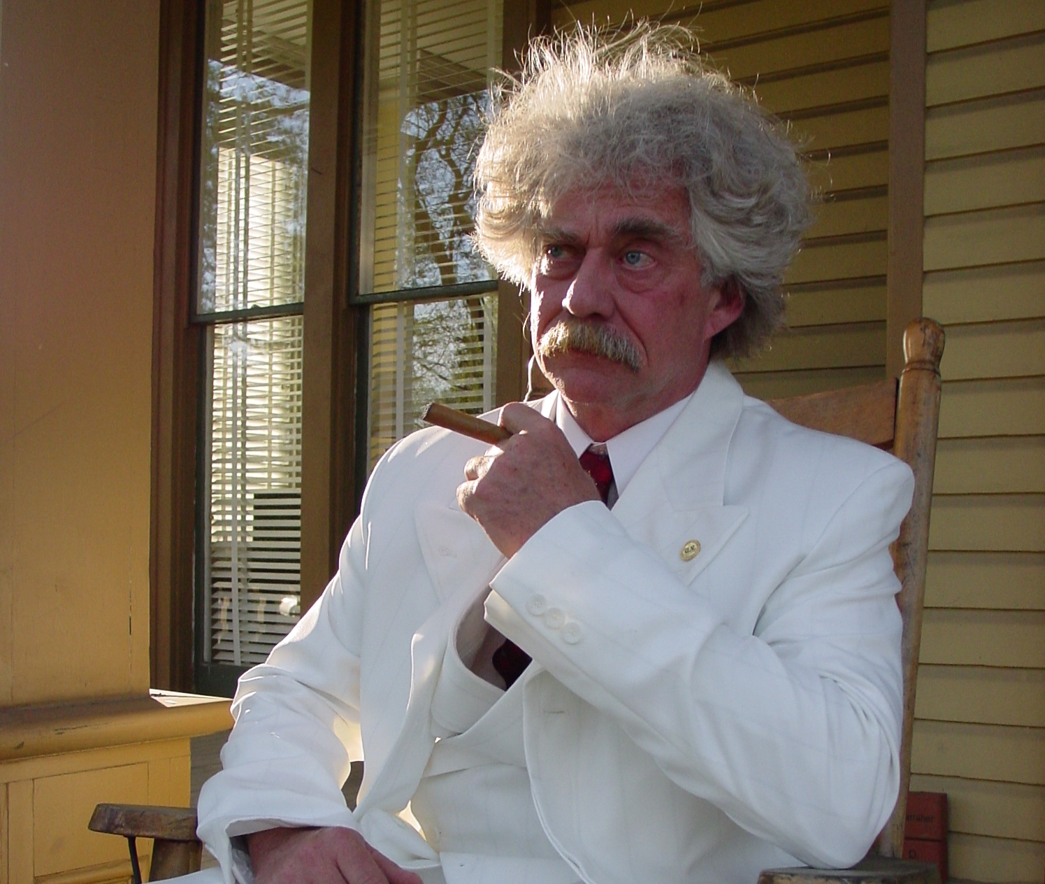 Alvey as Mark Twain
